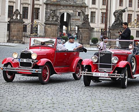 OLDTIMER-TOUR NACH PRAG